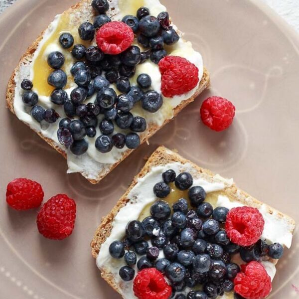 Ever tried skyr as a toast topping? . I...